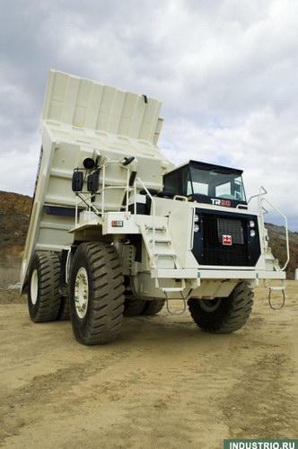 Очень большие грузовики.